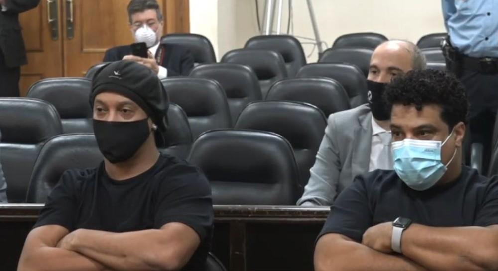 Ronaldinho Gaúcho sai da prisão após quase seis meses detido no Paraguai