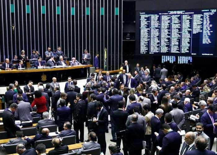 Congresso aprova projeto que pode perdoar dívidas de igrejas com a União