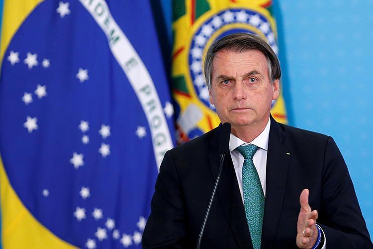Bolsonaro está negociando a adoção do voto impresso